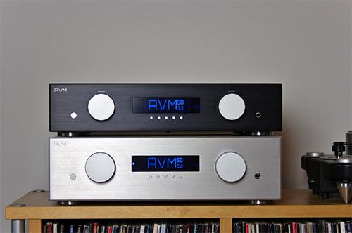 Oben der AVM Evolution SD 3.2, unten der Evolution SD 5.2